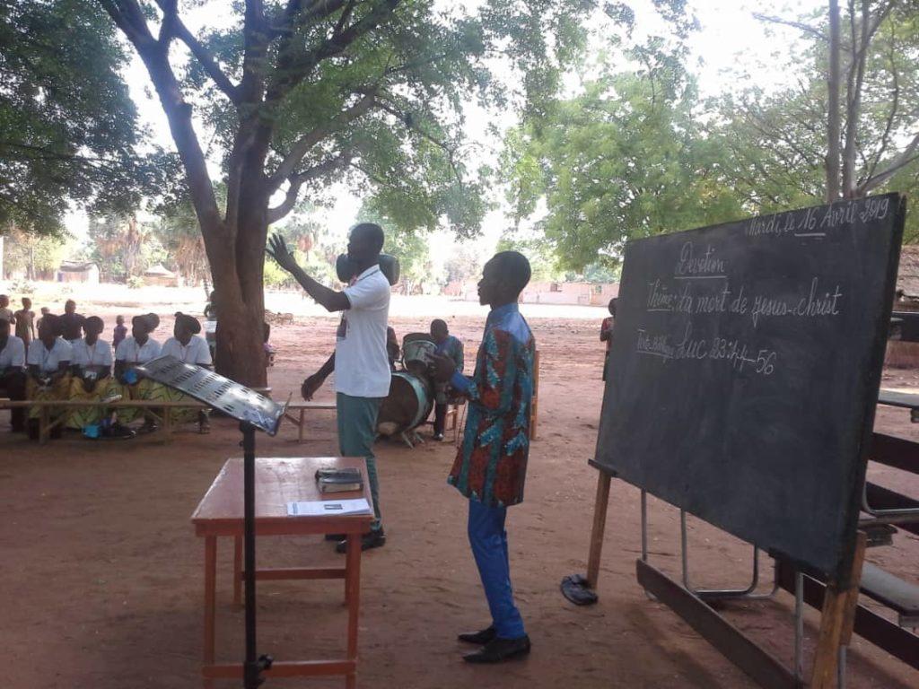 Bible teaching in Koumra (Chad)